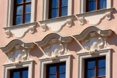 Fensterbekrönungen, Beutlersches Haus
